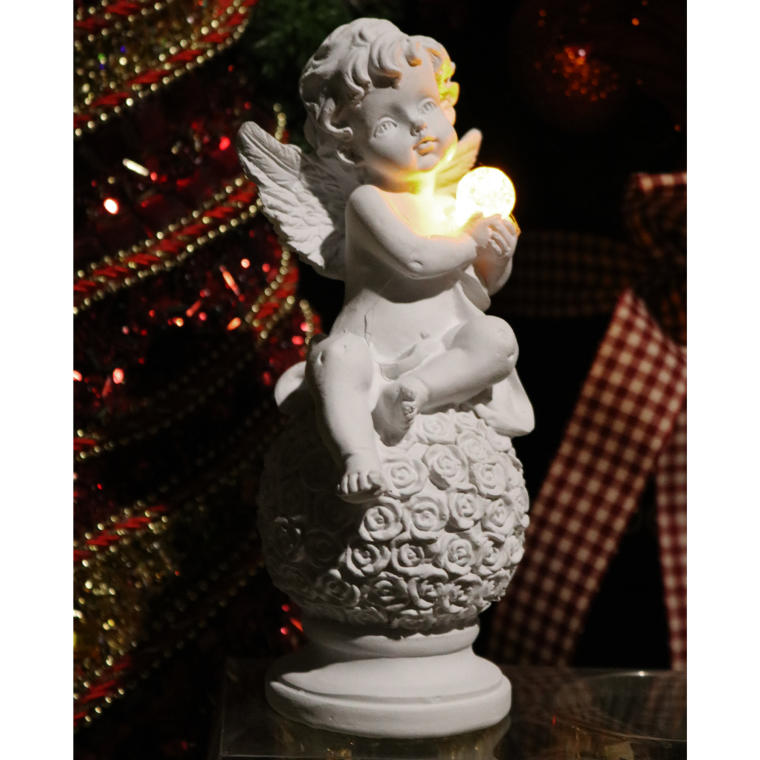 Aniołek siedzący na kuli 17 cm