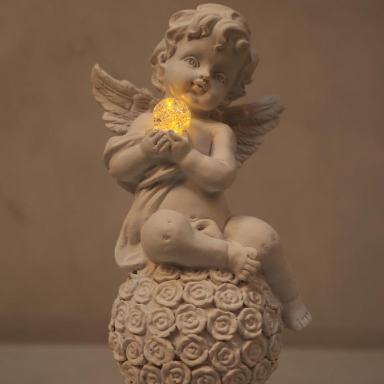 Aniołek siedzący na kuli 17 cm II