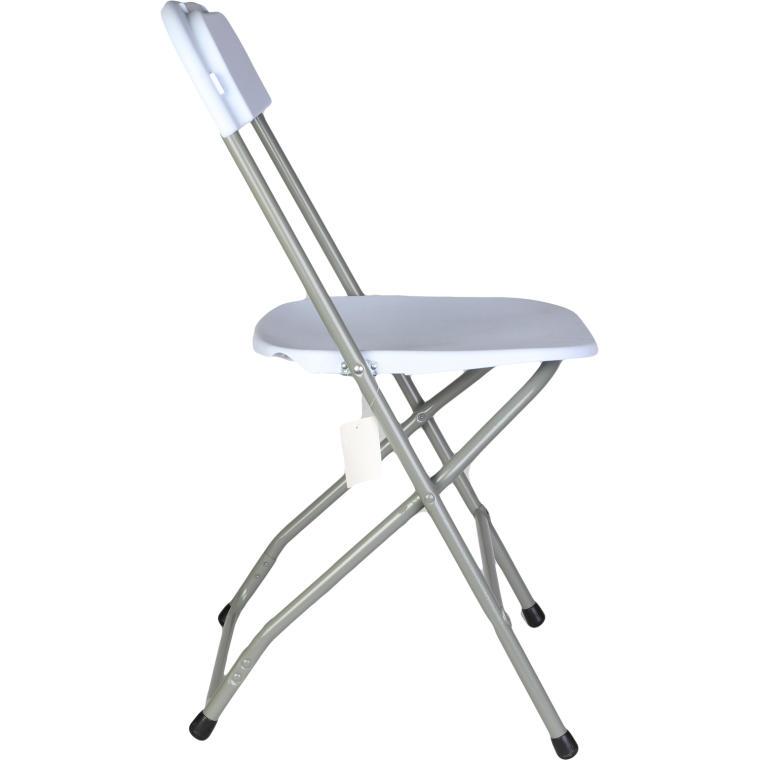 Białe składane krzesło